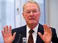 Teollisuuden keskusliiton entienn puheenjohtaja Hans-Olaf Henkel on yksi eurokriitikoista.