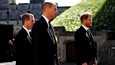 Prinsessa Annen poika Peter Phillips kulki prinssi Williamin ja prinssi Harryn välissä hautajaissaattueessa.