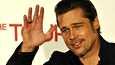 Brad Pitt suunnittelee elokuvaa John Lennonista ja haluaa itse näytellä pääosaa.