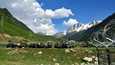 Intian armeijan joukkoja tiistaina matkalla Ladakhiin.