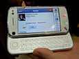 Nokia esitteli yhteisösivusto Facebookin toimintaa N97-puhelimessa helmikuussa pidetyillä MWC-messuilla.