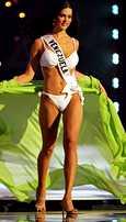 Monica Spear edusti Venezuelaa Bangkokissa pidetyissä Miss Universum kisoissa vuonna 2005.