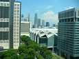 Singapore on täynnä pilvenpiirtäjiä ja puistoja