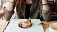 Kehnosti toimivan ruokavalion voi tunnistaa esimerkiksi siitä, että syöminen rajoittaa omaa elämää.