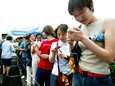 Kiinalaiset sim-kortteja jonottamassa