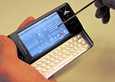 Xperia X1 -puhelin käytti Windows Mobile -käyttöjärjestelmää. Silloin se tosin oli yhteisyritys Sony Ericssonin tuote.