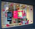 T-Mobile käyttää runsaasti telemagentaa.