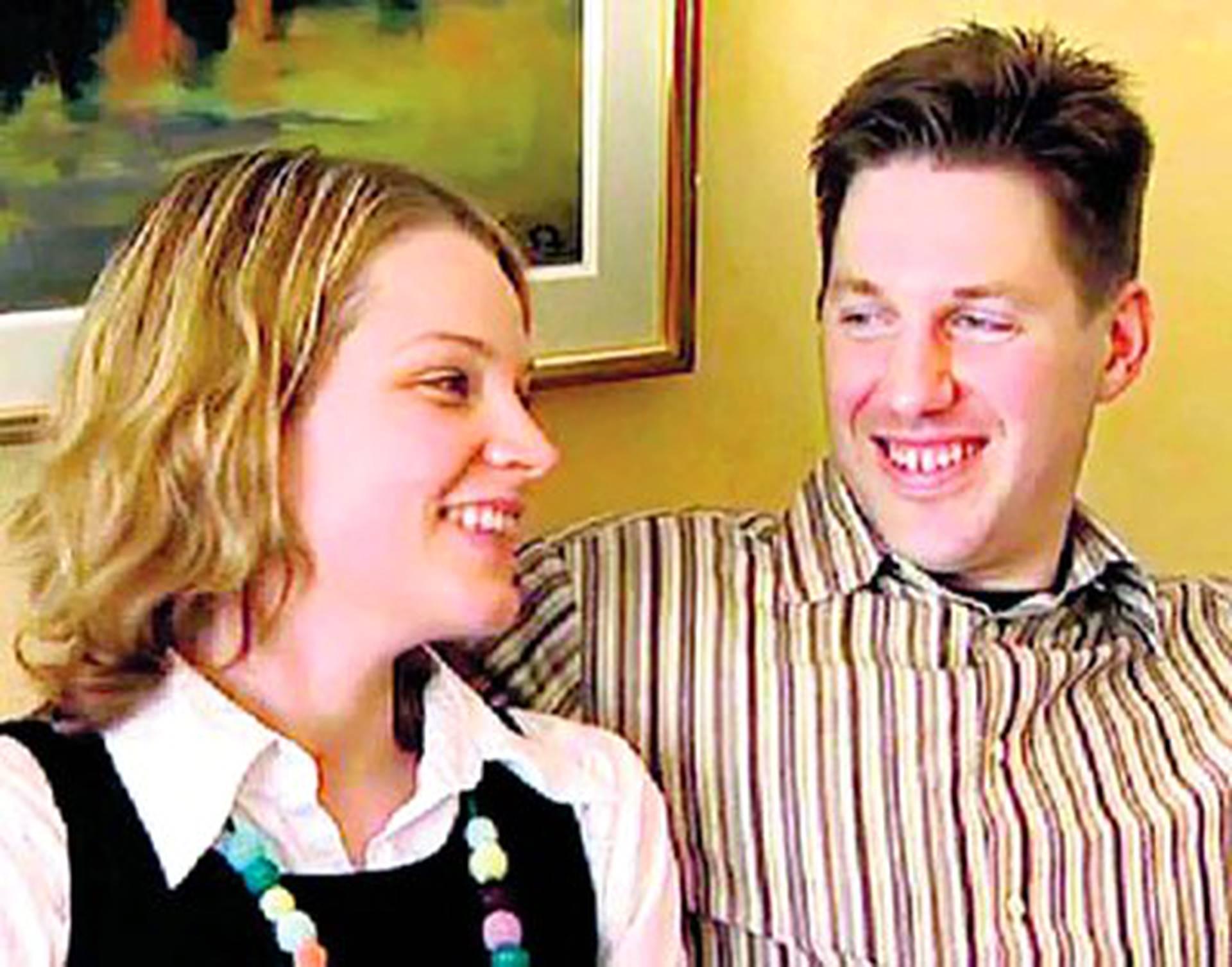 Penny ja Leonard alkavat dating