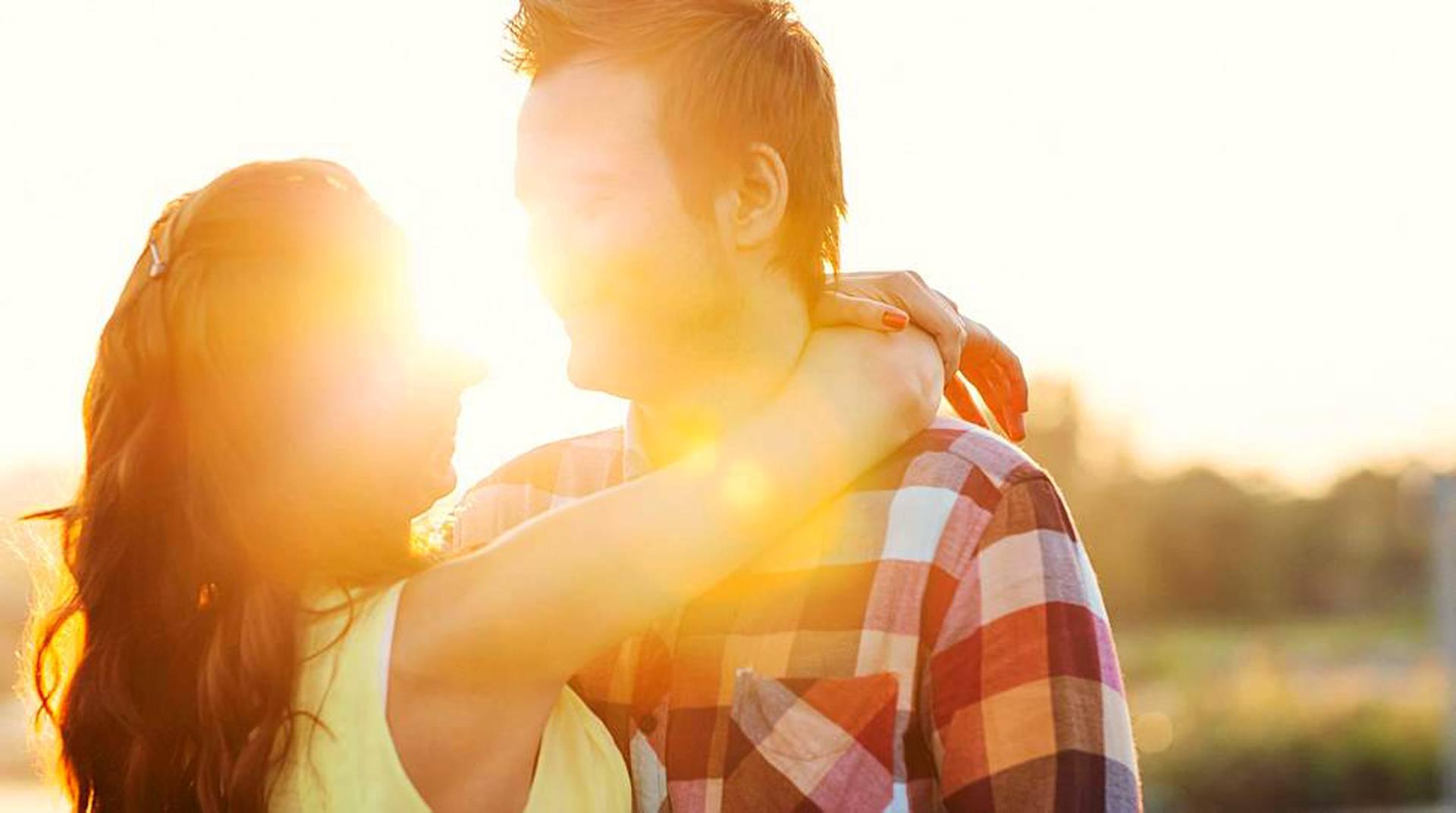 Kuinka kauan sinun pitäisi seurustella suudella