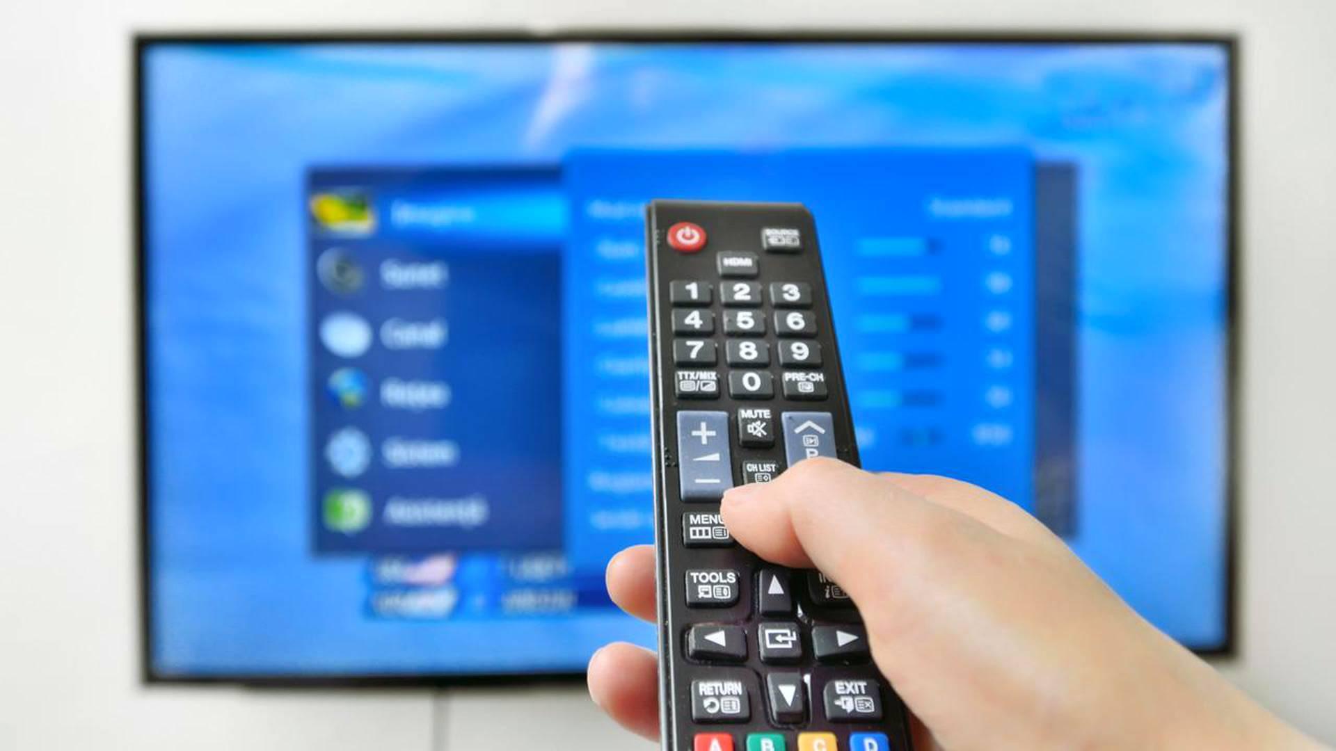 Kytkeä tele vision Internetiin