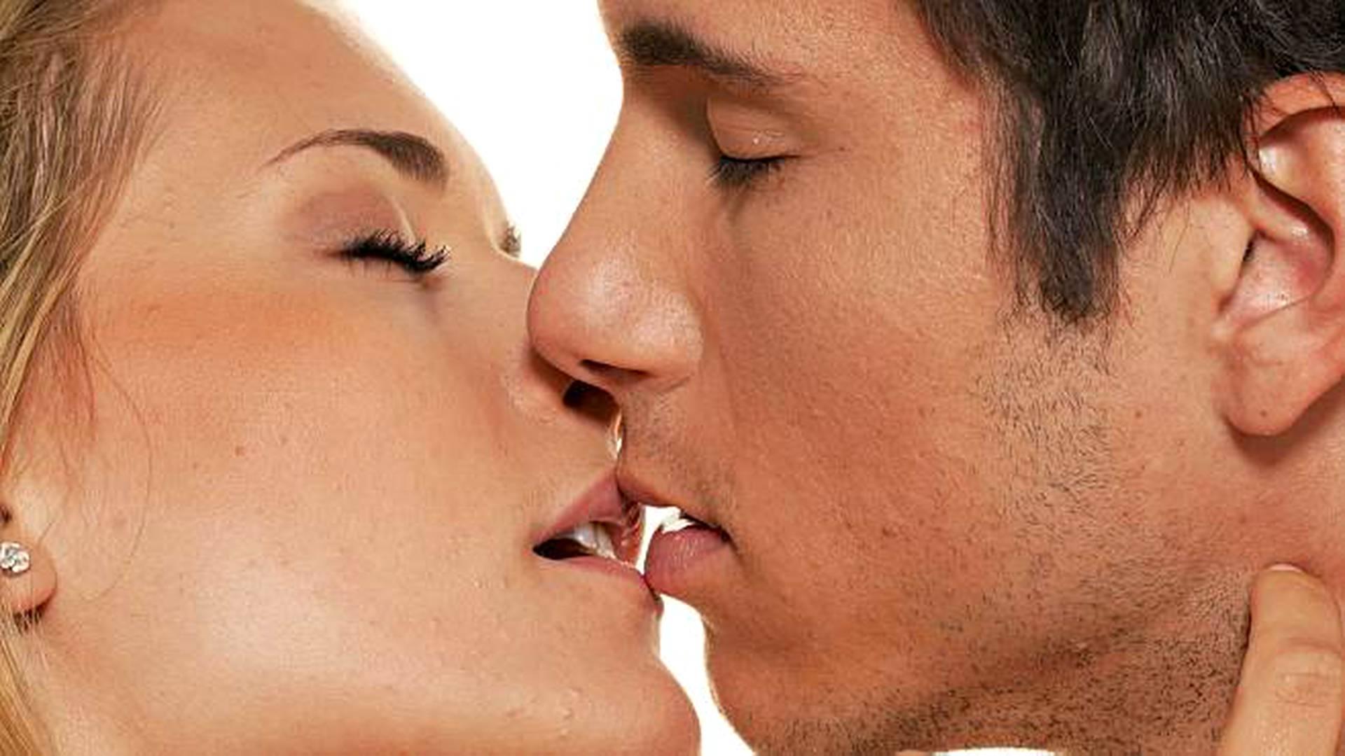 Kelli Bamforth kellibambam merkitys suudella ihmissuhteissa on hyvin dokumentoitu.