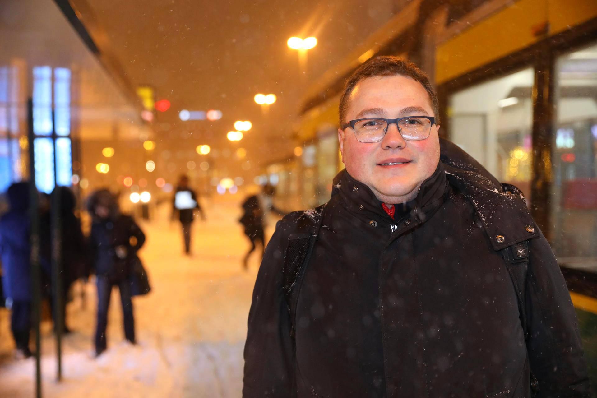 Singaporesta palaavaa Denis Sinaginia odotti Helsingissä melkoinen sääero.