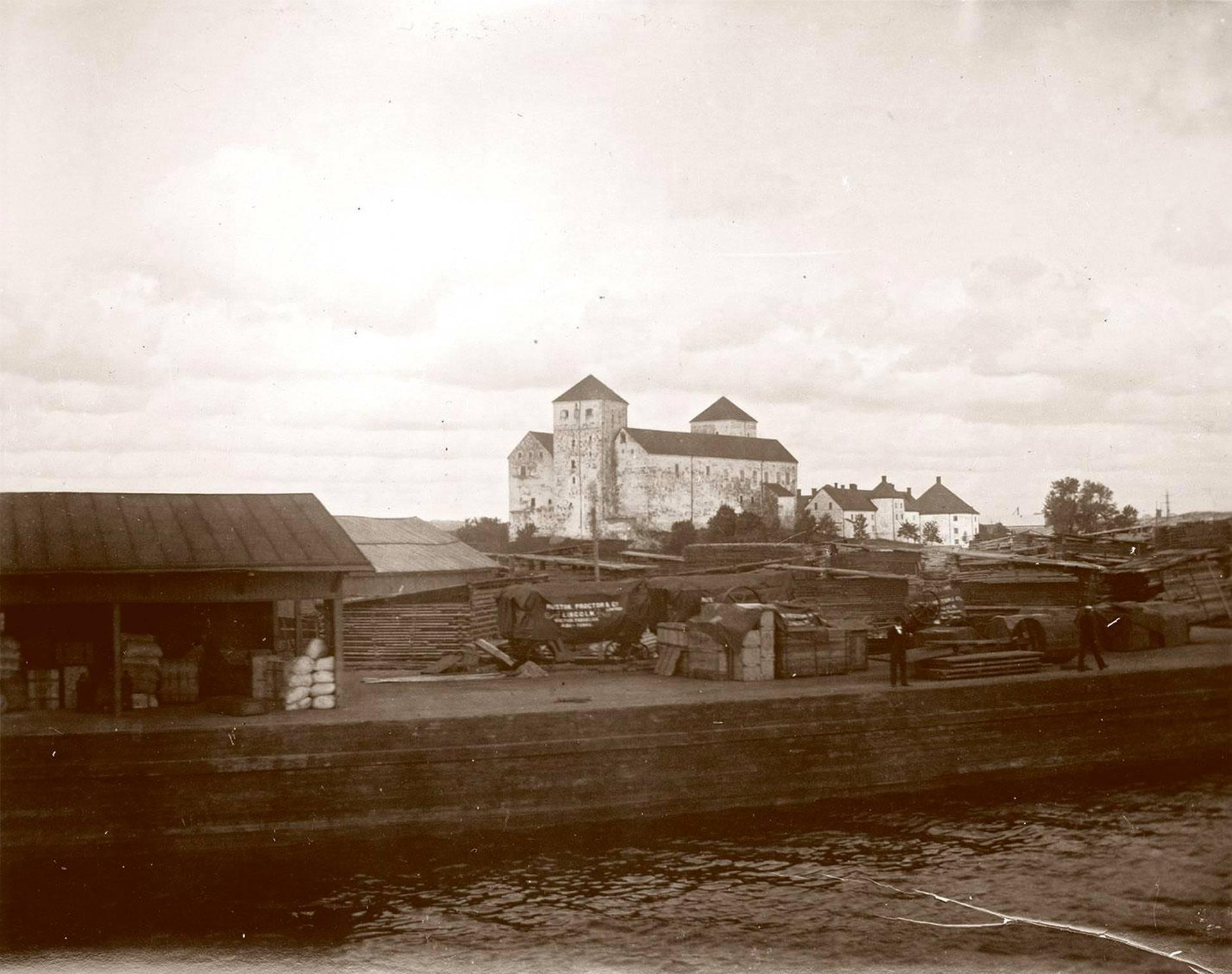 Turun linna satamasta kuvattuna noin vuonna 1900.