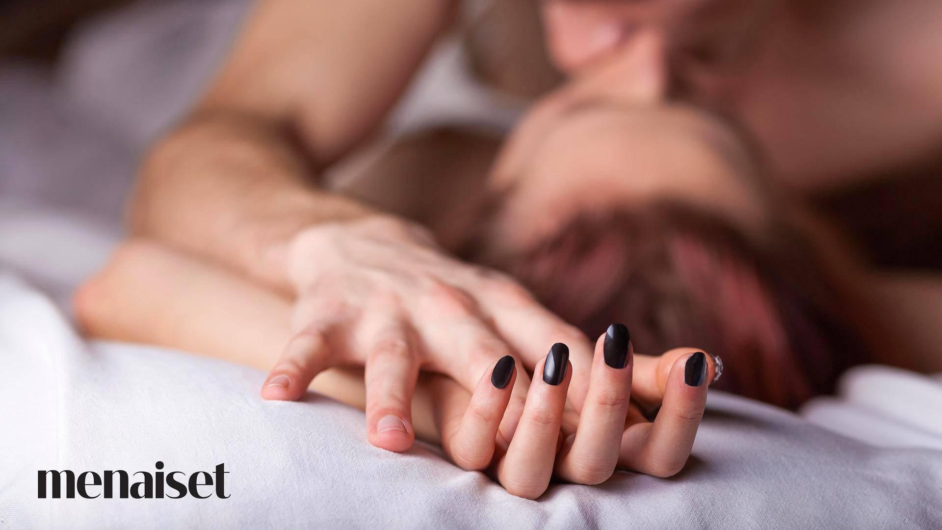 yhdyntä kuvina nainen haluaa seksiä