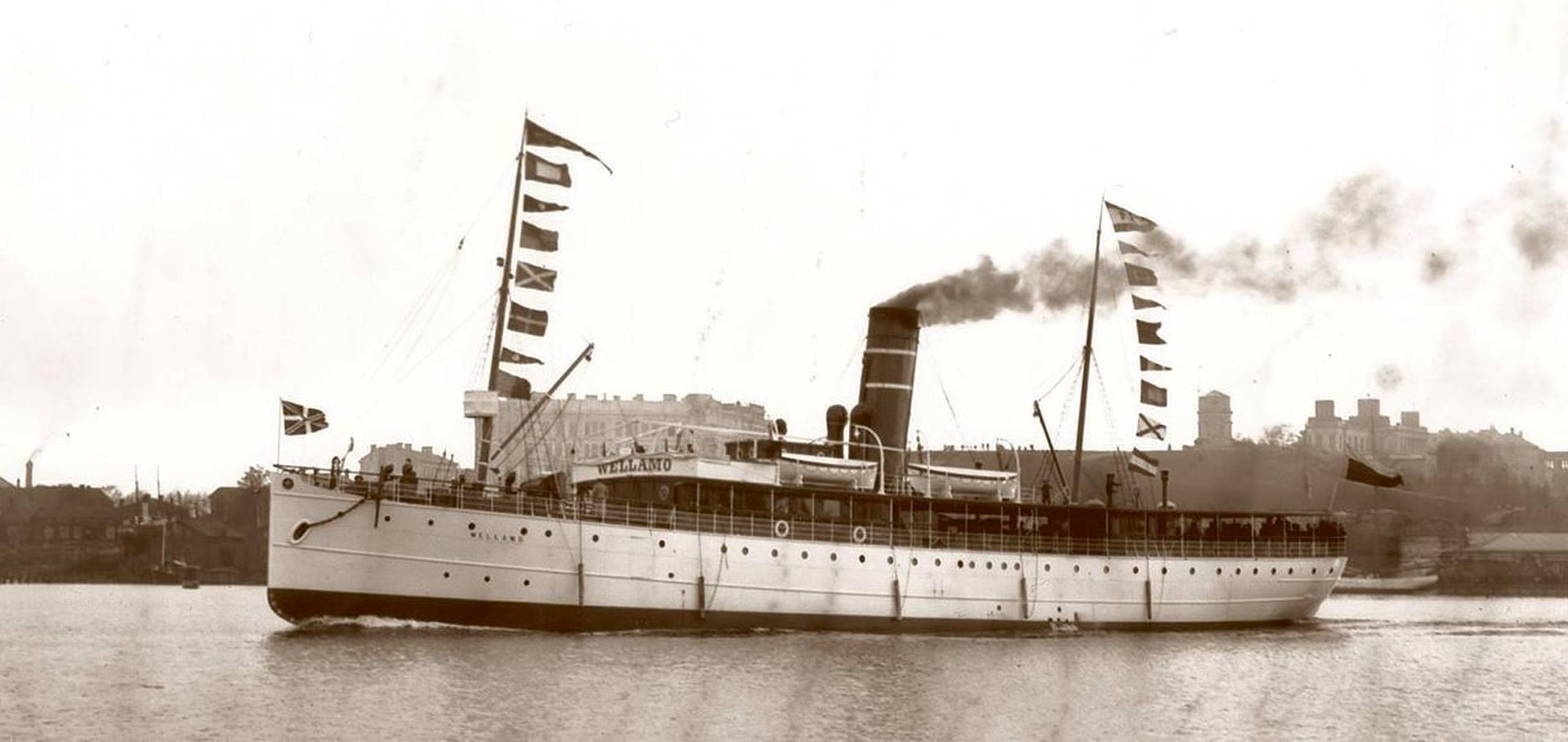 Tukholma–Turku–Helsinki–Pietari–Tallinna-reitillä liikennöinyt matkustajalaiva s/s Wellamo lähdössä Eteläsatamasta Helsingistä. Laiva valmistui 1898.