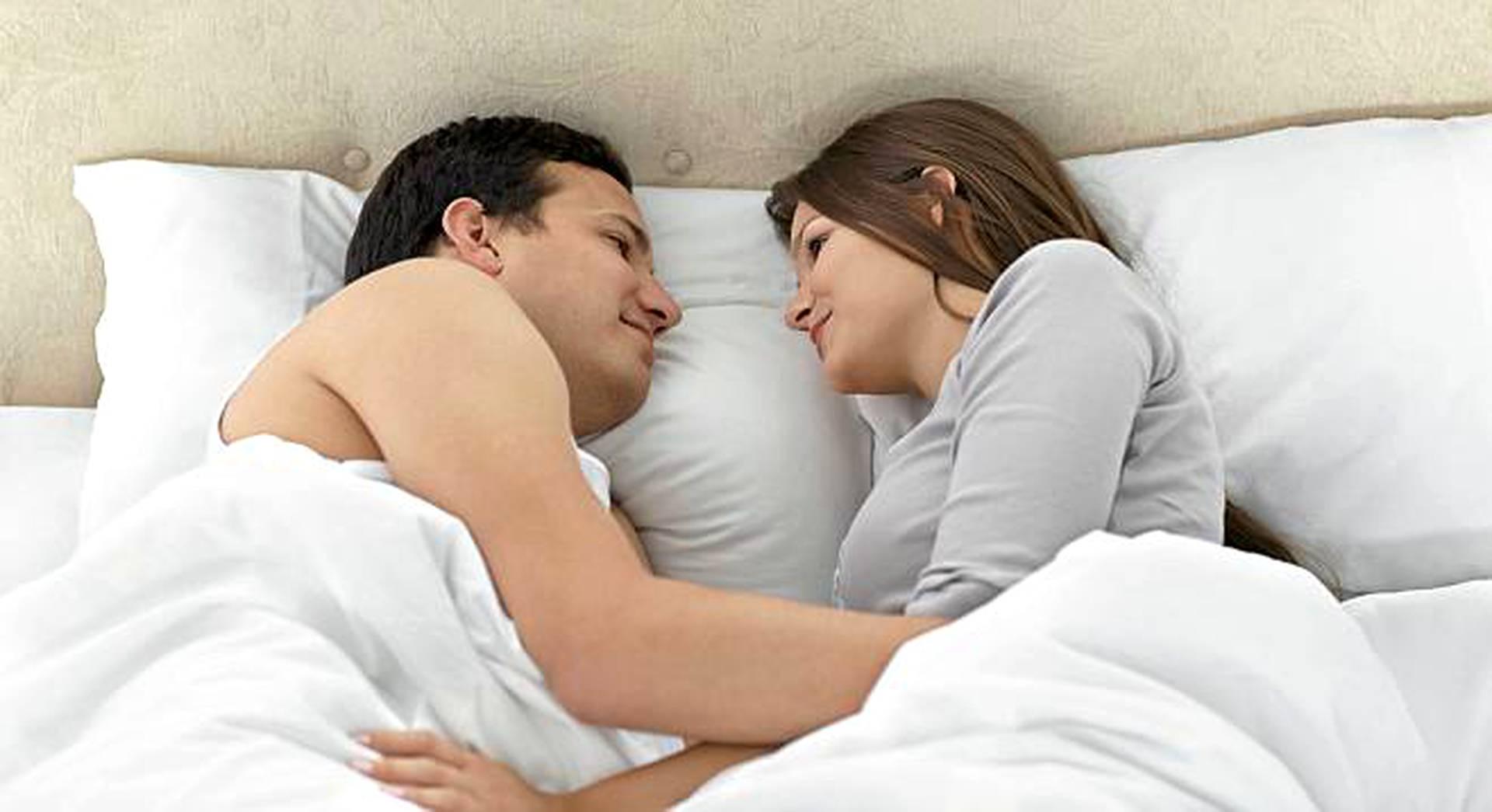 Miten käsitellä dating vanhempi kaveri