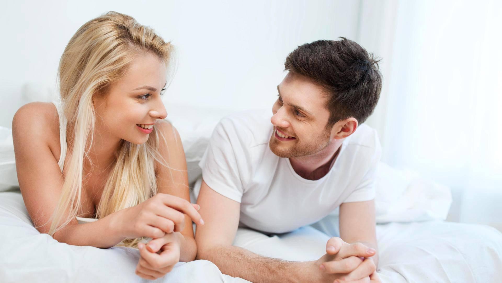 Dating kaksi miestä ja kuten ne molemmat