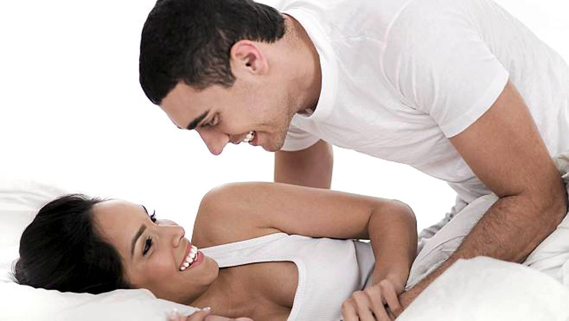 miehen orgasmi seksi liikkeet