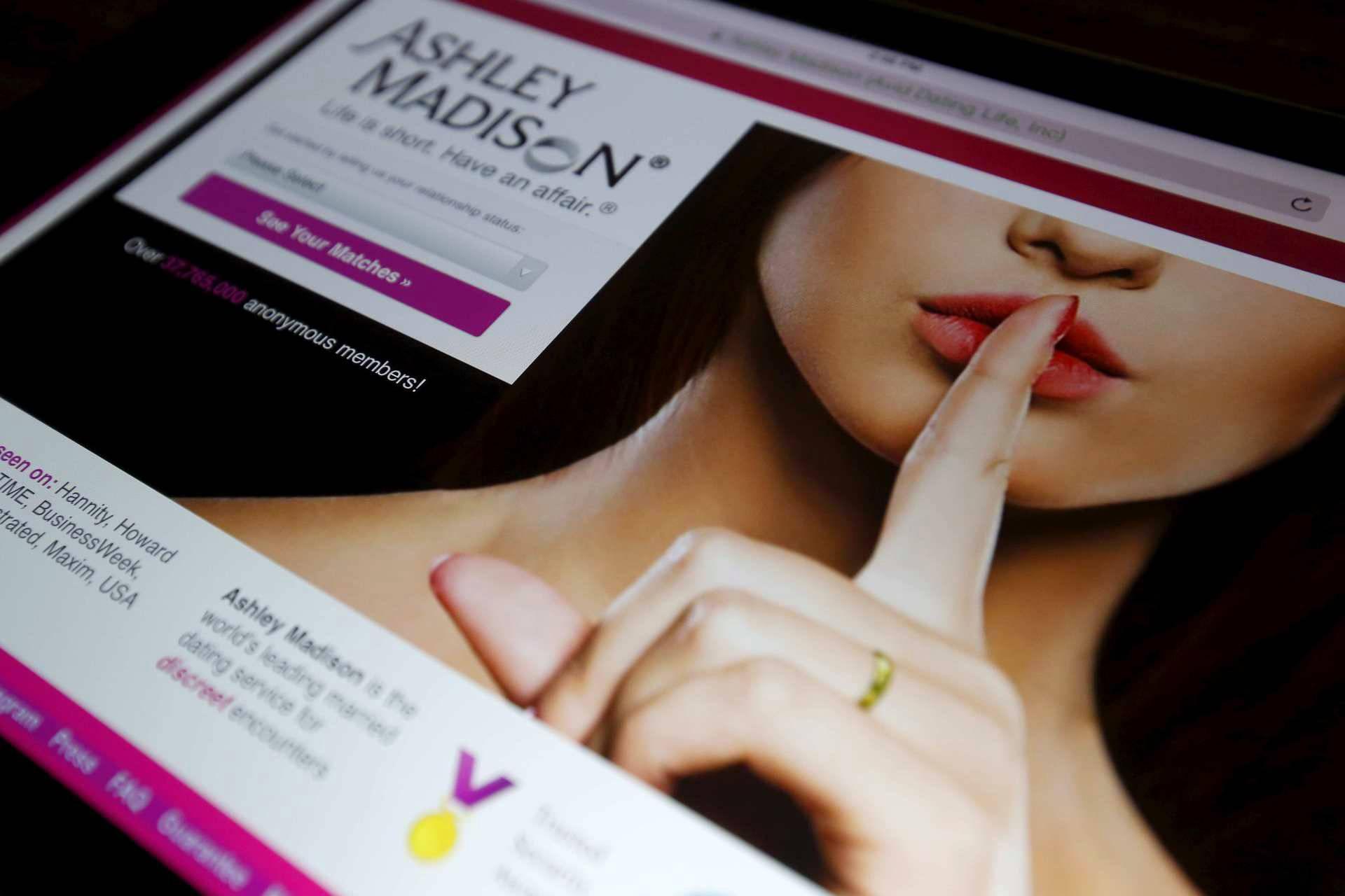 koukku sivuston Ashley Kun luopua dating sites