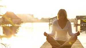 Kuuntele musiikkia tietyllä taajuudella ja 3 muuta yllättävää tapaa poistaa stressiä