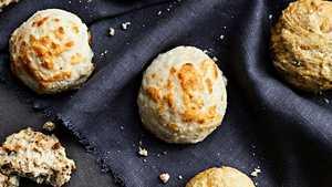 Gluteenittomien sämpylöiden salaisuus on juustossa: Leffaillan suosikkiherkku!