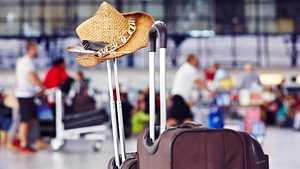 3 ovelaa temppua, joilla voit saada matkalaukkusi lentokentällä ennen muita – ei enää odottelua hihnan päässä