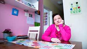 """Leena sairastui 30-vuotiaana synnytyksen jälkeiseen masennukseen – lääkäri halusi kirjoittaa eläkepaperit: """"Et sinä tuosta enää parane"""""""
