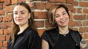 """Verenperintönä musiikki – suomalaisten huippumuusikoiden tyttäret kokeilevat siipiään keikkailemalla: """"Ensimmäisen konsertin jälkeen olimme sokissa"""""""