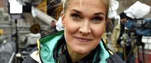 Urheilutoimittaja Laura Arffman julkaisi hääkuvan – hiihtäjäpuolison käsi eksyi takamukselle