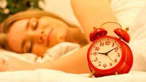 Näin nukut paremmin: 12 asiantuntijan vinkkiä aamuun, päivään ja iltaan