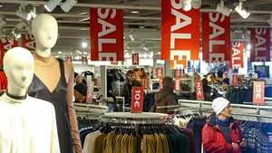 H&M pettyi myyntiinsä – sulkee liikkeitä