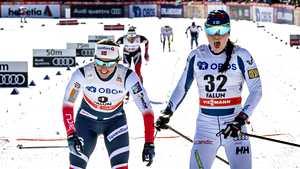 Krista Pärmäkoski taipui kuudenneksi kauden viimeisessä kisassa – Heidi Weng piti maailmancupin kärkipaikkansa