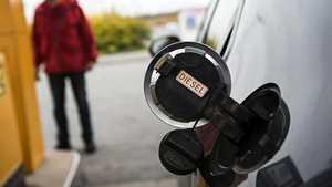 """Tilastodata paljastaa: Suomalaisten kiinnostus dieseleihin hiipunut jo yli puoli vuotta – """"tulee varmasti heijastumaan myös hintoihin"""""""