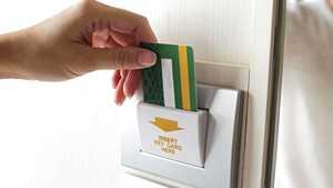 """Oletko jo kokeillut """"elämän mullistavaa"""" hotellihuonekikkaa? Kaiva vain yksi kortti lompakostasi"""