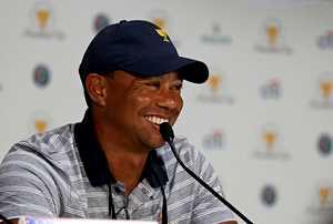 Hymy palasi kovia kokeneen Tiger Woodsin huulille – sai peliluvan lääkäriltä