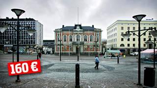 Hämeenlinnassa valtuuston kokouksesta maksettiin kuluvalla kaudella 160 euroa.