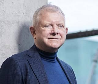 Maxusta Suomessa edustava Christer Stahl sanoo sähköpakettiautojen muodostavan merkin maahantuonnin selkärangan.