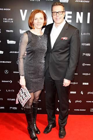 Virpi ja Jari Sarasvuo menivät naimisiin vuonna 2010. Kuva on otettu vuonna 2017.