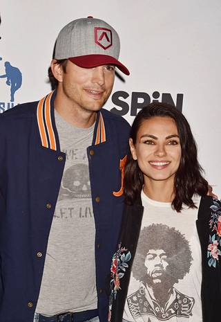 Ashton Kutcher ja Mila Kunis ovat olleet naimisissa vuodesta 2015.