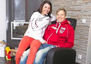 Mona-Liisa ja Ville Nousiainen ovat tottuneet elämään kisahuumassa, sillä he molemmat ovat kansainvälisen tason kilpahiihtäjiä.