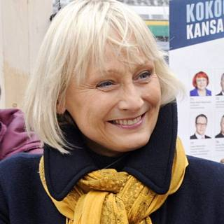 Arja Karhuvaara.