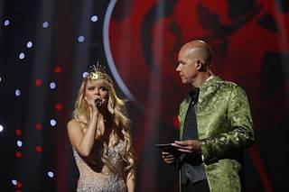 Kaj Kunnas juonsi Seinäjoen Tangomarkkinat heinäkuussa. Kuvassa viime vuoden tangokuningatar Erika Vikman.