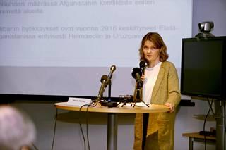Maahanmuuttoviraston oikeus- ja maatietopalveluyksikön johtaja Hanna Helinko.