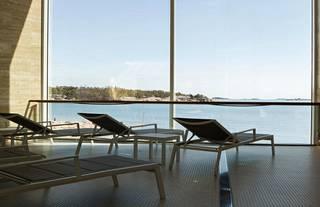 Hangon uudesta Regatta Spasta avautuvat kauniit näkymät merelle.