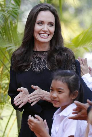 Jolien ohjaama ja tuottama elokuva nähdään myöhemmin Netflixin ohjelmistossa.