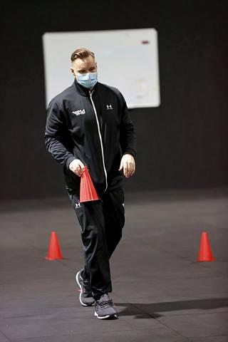 Heiskasen fysiikkavalmentaja Jouni Viitanen on aerobicin kaksinkertainen maailmanmestari.