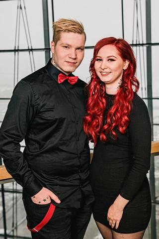 Mika ja Mirkku kuvattuna Tempation Island -ohjelman pressitilaisuudessa tammikuussa 2021.