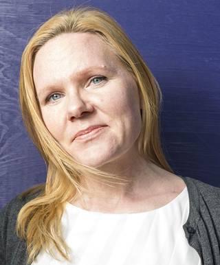Lapsiasiavaltuutettu Elina Pekkarinen.