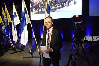 Jussi Halla-aho piti kokouksessa sunnuntaina ensimmäisen puheensa puheenjohtajana.