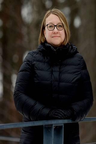 Ylilääkäri Sanna Isosomppi sanoo Pietarin tautitilanteen olevan nyt niin vaikea, ettei pitäisi tulla kenellekään yllätyksenä, jos sairastuu tai altistuu matkan aikana.